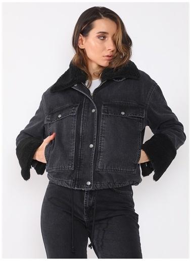Darkly Jeans Darkly Jeans Yakası kolu ve İçi Kürk Siyah Mont Siyah